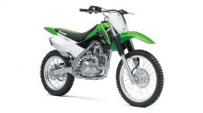 THE KLX140L OFF-ROAD MOTORCYCLE IS THE BIGGER BROTHER TO THE KLX140 AND PROVIDES A ROOMIER RIDING POSITION FOR TALLER RIDERS. IT FEATURES LARGER WHEELS AND INCREASED GROUND CLEARANCE FOR TACKLING MORE DEMANDING TRAIL RIDING. Push button electric start High-revving 144cc air-cooled, SOHC, 4-stroke engine 5-speed transmission with manual clutch Taller (19F, 16R) wheels than the KLX140 (17F, 14R) contribute to a taller 31.5 inch seat height and higher 10.0 inch ground clearance 7.1 inches of front and rear suspension travel to soak up bumps Front and rear disc brakes provide strong progressive stopping power
