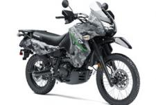THE RUGGED AND TOUGH KAWASAKI KLR 650 MOTORCYCLE IS BUILT FOR ADVENTURE. RIDERS WILL BENEFIT FROM THE KLR650'S PHENOMENAL FUEL RANGE AND DUAL-PURPOSE CAPABILITIES ON PAVEMENT OR OFF-ROAD