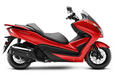 The Honda Forza is one of the most practical scooters anywhere. Its 300-class engine has plenty of power—even two-up—and gets great mileage. Underseat storage makes errands a breeze. And the sleek bodywork means you'll arrive in style.