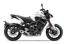 THE ULTIMATE STREET FIGHTER ‑ NOW EVEN MEANER The new FZ‑09's powerful 847cc in‑line 3‑cylinder crossplane crankshaft concept engine and new refinements deliver huge thrills, style and class‑leading performance.