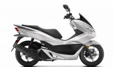With its 153cc liquid-cooled four-stroke engine, the PCX150 is great for urban commutes, trips around town, and is freeway-legal, should you need to head onto the highway. Plus, since it's a Honda, you know it's built to last.