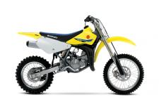 The 2018 RM85 continues to carry on the powerful tradition of racing excellence in the Suzuki motocross family. The reliable two-stroke engine produces smooth power at any rpm with an emphasis on low to mid-range performance. Just like its larger RM-Z cousins, the RM85 delivers class-leading handling for both experienced racers and rookie riders alike. With its smooth power delivery and lightweight handling, the RM85 is the perfect motocross bike for anyone learning to race—and striving to win!