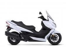 Already renowned as a premium, feature-rich scooter, the Suzuki Burgman 400 is all-new for 2018. The new Burgman 400 retains the key features that made this luxury scooter popular through the years, while combining improved chassis and engine performance with a sleek new, athletic body. The 2018 Burgman 400 establishes a new convenience and performance standard for mid-sized scooters while maintaining its highly regarded reputation for luxury, quality, comfort and running performance. The result is a more desirable Burgman 400 that truly delivers a winning combination of style, performance, practicality, convenience and riding enjoyment.