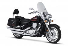 With the Suzuki Boulevard C50T, you'll find yourself equally at home on the boulevard or the interstate.