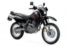 The 2019 Suzuki DR650S is quite possibly the best all-around, dual-purpose motorcycle available today. Every DR650S is quality built by Suzuki and features a reliable, 644cc, oil-cooled, four-stroke, single engine carried in a strong steel, semi-double cradle frame.