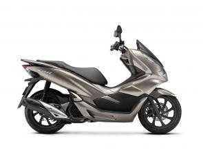 Endowed with a new frame, revised intake and exhaust system, multiple comfort-enhancing features, and optional ABS, the PCX150 combines practicality and fun, now with a more premium feel and improved handling.