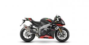 The RSV4 project has always pursued a stated goal: to be the absolute best and fastest uncompromising superbike, the closest to Aprilia racing bikes in terms of performance and effectiveness. A premium product at the top of its category, dedicated to extremely demanding customers who want top shelf performance and refined technical equipment.