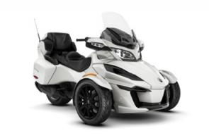 Get on the Spyder RT, hit the open road and don't look back. With a long list of comfort and convenience features, you and your passenger wont be able to resist the open road.