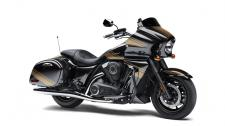 It may look like a custom V-twin bagger, but the Vulcan 1700 Vaquero ABS cruiser is in a class of its own.