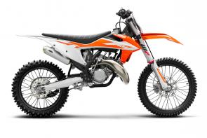The KTM 125 SX is the most compact and lightweight of the full-size bikes and delivers a confidence-inspiring ride like no other. A lightweight chassis teams up with the most competitive 125 cc 2-stroke engine in its class, delivering superior agility and power to fulfill the demands of any young adrenaline seeker. This 2-stroke screamer is the ultimate entry point into the pro ranks and a sure-fire way to add to the trophy collection.