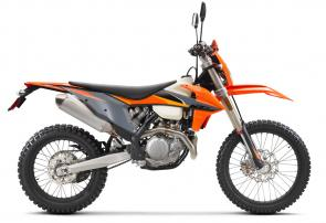 The success of the KTM 350 EXC-F has certainly made waves in the industry. Gaining instant recognition on its arrival in 2012, it has become a class-leading dual-sport model due to its 250-like agility and 450-like power. Ever since then, the 350 EXC-F has gained significantly in performance and torque, as well as handling and agility. This model delivers power even closer to a 450, while getting ever closer to the agility of a 250 - so, the basic idea of this bike is easy to see, and has been a recipe for success right from the start.