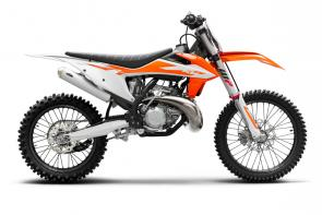 Whether its power-to-weight or power and control, the KTM 250 SX is the perfect combination of all that counts. Featuring a high-performance 2-stroke engine fitted within a state-of-the-art chassis, this powerhouse is undoubtedly the fastest 250 cc 2-stroke on track. This proven race weapon is the right choice for those who thrive on that glorious 2-stroke sound while smashing out one hot lap after the next.