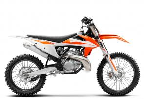 Whether its power-to-weight or power and control, the KTM 250 SX is the perfect combination of all that counts. Featuring the latest high-performance 2-stroke engine fitted within a state-of-the-art chassis, this powerhouse is undoubtedly the fastest 250cc 2-stroke on track. This proven race weapon is the right choice for those who thrive on that glorious 2-stroke sound while smashing out one hot lap after the next.