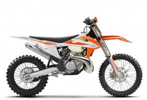 Take the unrelenting ferocity of an SX bike, add a few extra horsepower and torque, a longer-range fuel tank and an 18 rear wheel to accommodate more rubber, and youre well-armed to dominate the dirt. In a nutshell, the KTM 300 XC is arguably the most accomplished cross-country racer available.