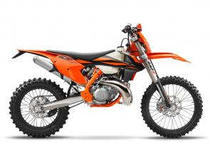 When the smoke clears, youll be the last rider standing. The KTM 250 XC-W TPI is one of the best pound-for-pound fighters in the world of Enduro, pummeling its more complex 4-stroke rivals. All muscle, no fat: this groundbreaking, fuel-injected 2-stroke machine is as lean as it is powerful.