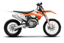 When maximum attack is required, the only answer is the KTM 450 XC-F. The compact SOHC engine delivers explosive power in a smooth, usable delivery that suits both weekend riders and seasoned racers alike. More to the point, the 2020 KTM 450 XC-F shares 95% of its parts with the multiple championship winning KTM 450 SX-F motocross bike. So, are you READY TO RACE?