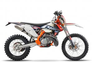 The KTM 300 XC-W TPI SIX DAYS is set to become a legend when it comes to cross-country battles not to mention in 2-stroke history.