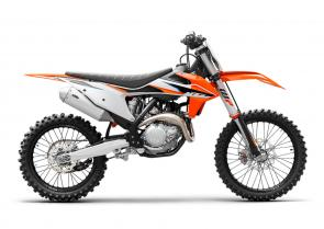 The championship winning KTM 450 SX-F is a proven formula that is the industry benchmark. For 2021, this machine continues to deliver superior performance and easy handling. It features an extremely compact, single overhead camshaft cylinder head and together with the efficient electronic fuel injection, it pushes out an unrivalled 63hp in the most effective way possible. The KTM 450 SX-F is simply the fastest Motocross bike out on the track.