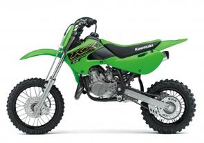 KX™65 motorcycles are the ideal dirt bikes for introducing young racers to the competitive ranks of motocross. With a 64cc engine, durable chassis and proven agility to turn lap after lap, the KX65 allows riders to gain experience and build skills on a dependable platform.