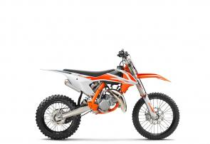 With the pro ranks within reach, the KTM 85 SX offers a real taste of the big league of motocross. Following in the footsteps of champions, every inch of this motorcycle mimics the proven design of the big bike range. A lightweight, high-quality frame houses its compact rocket ship of an engine, which delivers unrivaled performance and rideability. This mini warrior is the ultimate race weapon and is ready to go out and conquer all in the fight for the top step of the podium.
