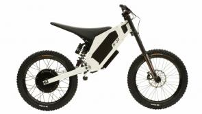 Bringing off road action to the suburbs, the H-52 takes it all the way to your back door.  Whether it's sunrise sessions or midnight motocross the H-52 has everything it takes to break the barrier of sound and keep the neighbours on your side.  Specs: Top Speed: 50 mph Range: Standard Battery: 37 miles Long Range Battery: 100 miles Peak Power: 6.2 kW Battery Capacity: 2.0 kWh Recharge Time: 3 hours Front Suspension: 200mm Rear Suspension: 250mm Brakes: Magura MT5 4 piston hydraulic brakes Weight: 105lbs  Available in standard colors: Black Ace, Camo Grey, Devil's Red, and Snow White   Accessories & Available Upgrades: Headlight Kickstand Magura MT7 Brakes Additional Color Options: Yellow, Orange, Blue, and Army Color options are fully customizable to get the exact look you want.